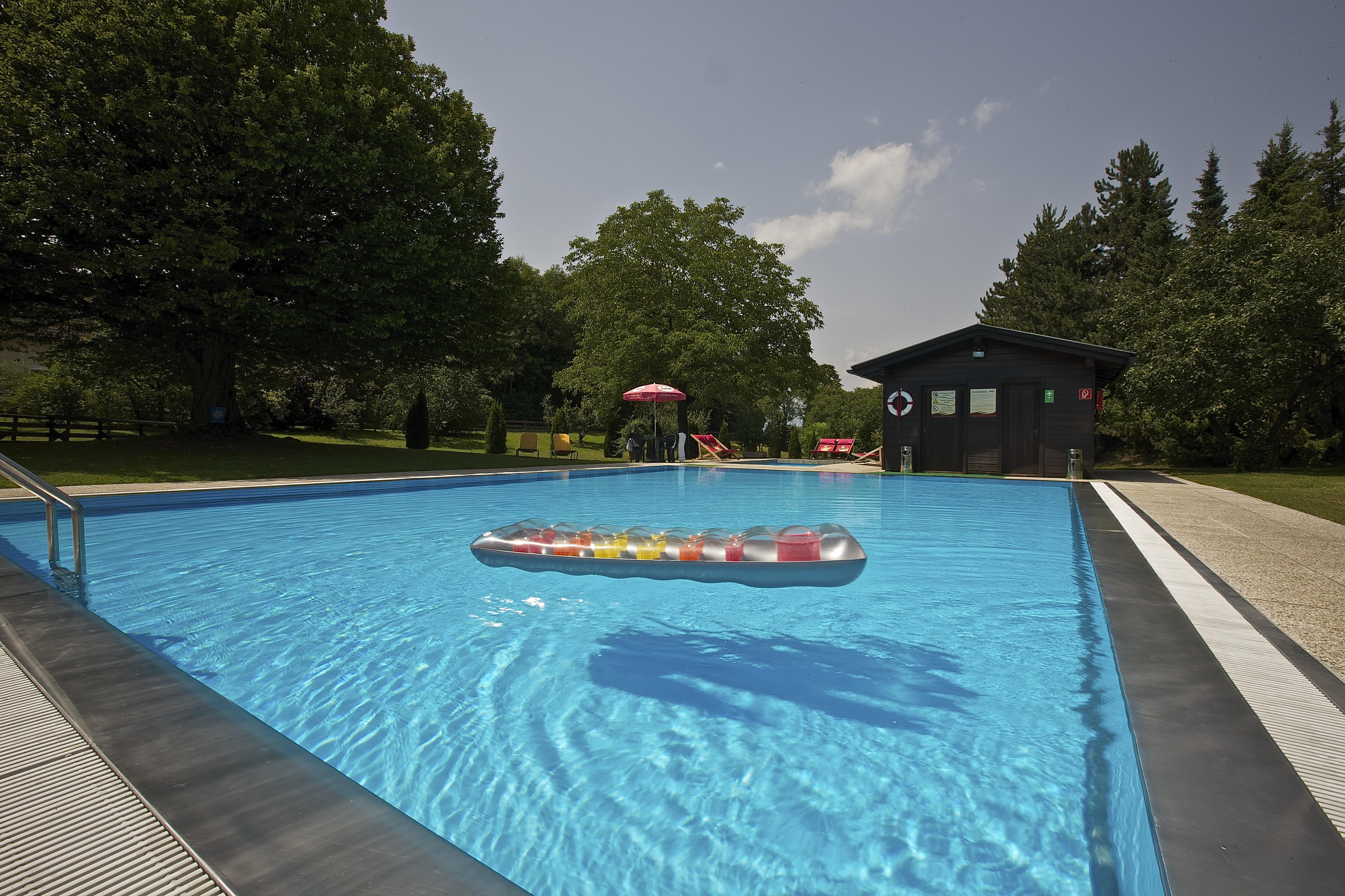 Pool des Hotel Zollner